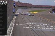 Video: NASCAR-kisalle huikea loppu - voitto ratkesi senttien erolla