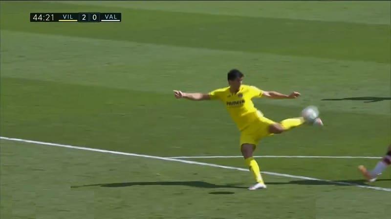 Video: Villarreal taikoi häkellyttävän osuman – pallo kulki maaliin kolmella kosketuksella käymättä maassa