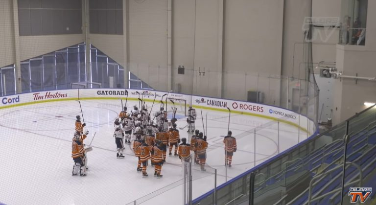 Video: Edmonton Oilersilta hieno ele kuolleen joukkuetoverin kunniaksi