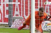 Video: Lukas Hradecky mokasi karulla tavalla Saksan Cupin finaalissa