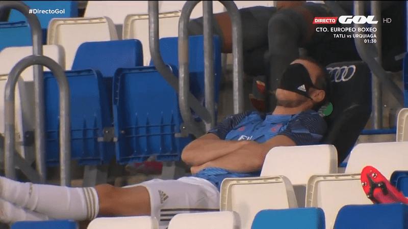 Video: Gareth Bale hassutteli ottamalla torkut kesken pelin – Real-fanit raivostuivat