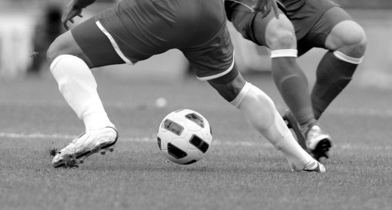 Huuhkajien historiallinen EM-ottelu keskeytettiin – Tanskan Christian Eriksen tuupertui järkyttävästi kentälle