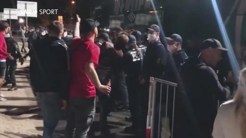 Video: Nousuhaaveiden murskautuminen meni ihon alle – Heidenheim-fanit hyökkäsivät Bremenin bussin kimppuun