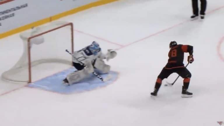Video: KHL:n treenipelissä veivattiin huima rankkarimaali