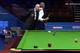 Video: Snookerin MM-kisoissa uskomatonta urheiluhenkeä – Mark Williams ilmoitti tuomarille virheestään
