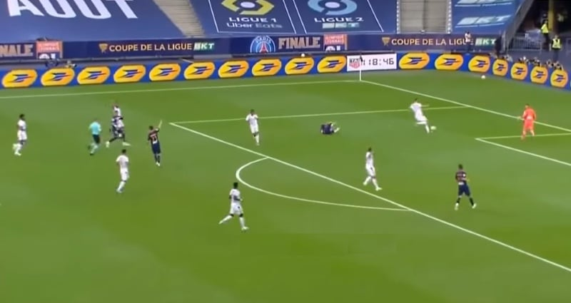 Video: Lyonin suora punainen kortti kuumensi tunteet – PSG liigacupin mestariksi pilkkukisan jälkeen
