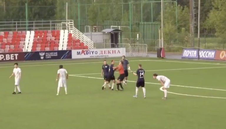 Video: Venäjän entinen maajoukkuetähti pimahti – pahoinpiteli tuomarin amatöörisarjan ottelussa