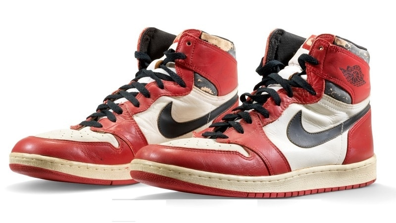 Michael Jordanin gameworn tossut / Pallomeri.net