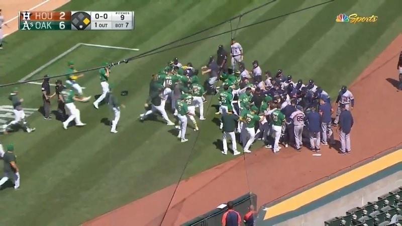Oakland Athletics vs Houston Astros joukkotappelu MLB 2020 / Pallomeri.net