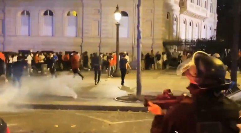 Video: PSG-fanit ottivat yhteen poliisin kanssa Mestarien liigan välierän jälkeen – 36 pidätetty