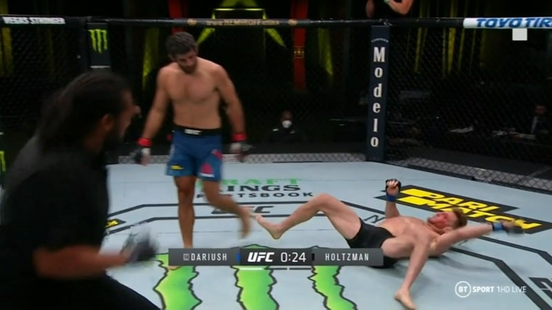 Beneil Dariush UFC tyrmäys kierrelyönnillä / Pallomeri.net