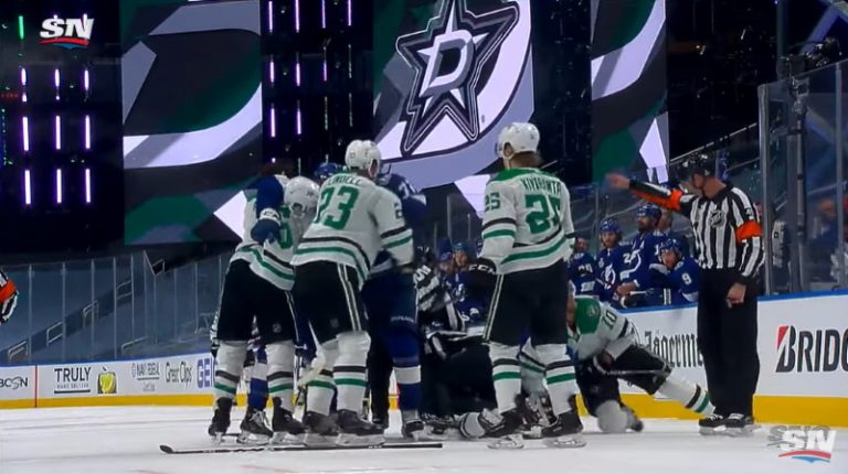 Video: NHL-finaalissa kireä 15-sekuntinen: Kova niitti, kaksi läpiajoa, kohellusjäähy ja päälle mylly