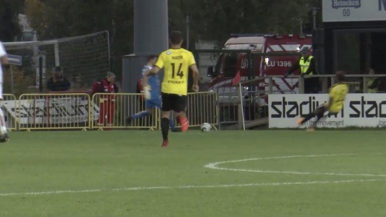 Video: FC Hongan Nasiru Banahene esitteli järjettömän pulkkataklauksen