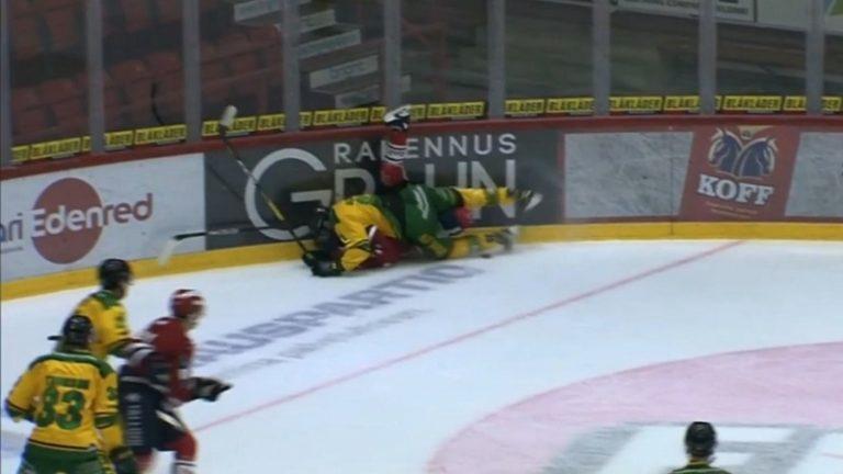 Video: Ilves-pakin törkeä tempaus johti ulosajoon – HIFK-pelaaja loukkaantui sikamaisesta jalkapyyhkäisystä