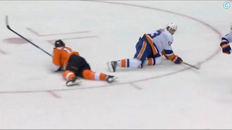 Video: Flyersille kova takaisku – tähtihyökkääjä Sean Couturier taklasi ohi ja loukkaantui
