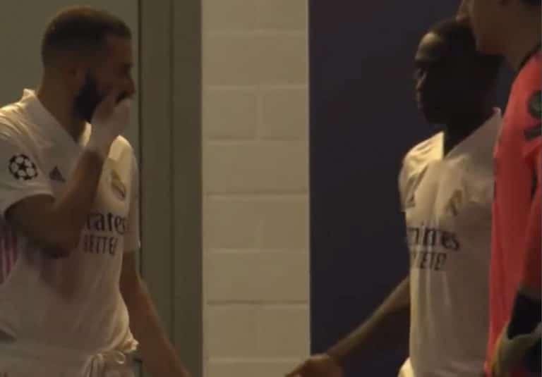 """Video: Karim Benzema haukkui selän takana joukkuekaverinsa – """"Älä syötä hänelle"""""""
