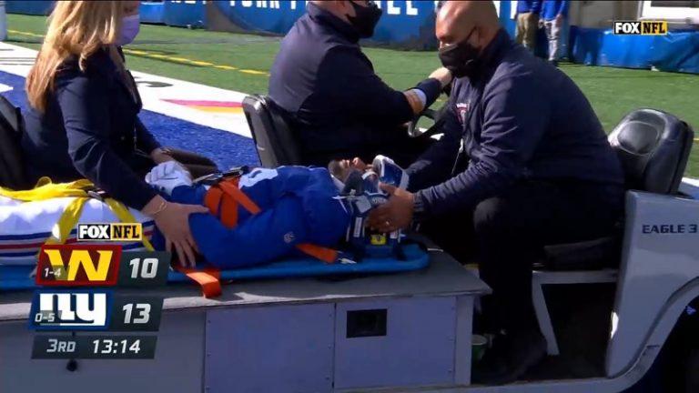 Video: Karmiva näky NFL:ssä –  Giants-pelaaja vedettiin aivan kylmäksi, jouduttiin kärräämään kentältä