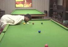 kädetön snookerin pelaaja
