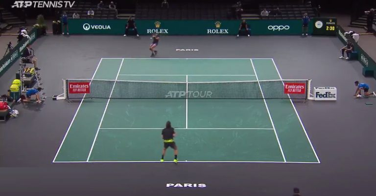 """Video: Rafael Nadalilta melkoinen hasardilyönti – lopputulos kuitenkin nauratti """"tarkkuudellaan"""""""