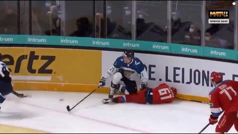 Video: Leijonat sai tylysti pataan Venäjän U20-joukkueelta – Otto Karvisen debyytti päättyi naurettavaan ulosajoon