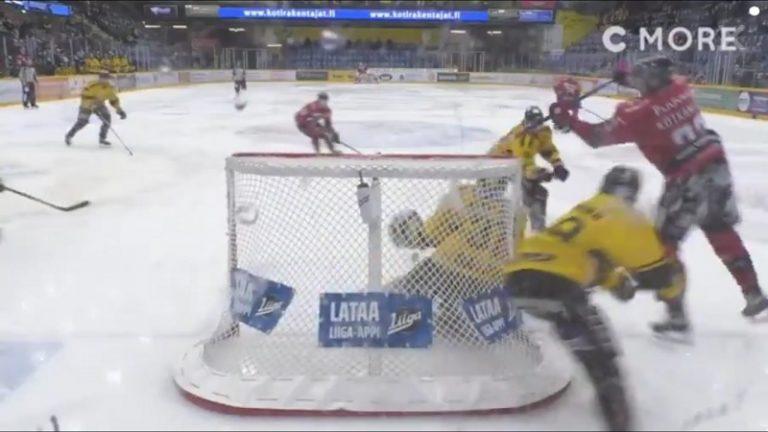 Video: Kauden komein häkki jäi senttien päähän – NHL-lainamies Jesperi Kotkaniemi yritti ilmaveiviä