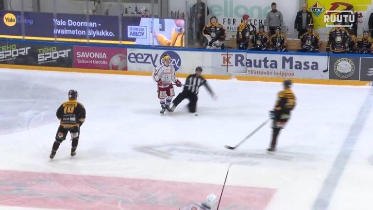 Video: Koominen kolari Mestiksessä – linjatuomari veti Hokki-pelurin levyksi liukutaklauksella