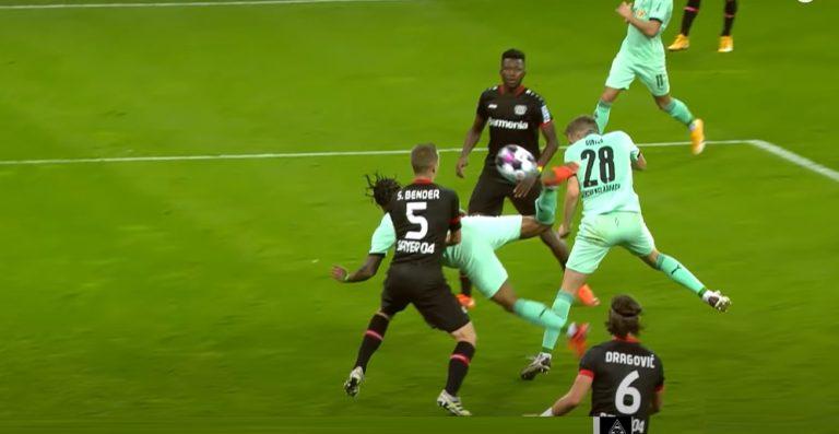 Video: Mönchengladbachin peluri tekaisi fantastisen osuman skorpionipotkulla – Lukas Hradecky voimaton maalilla