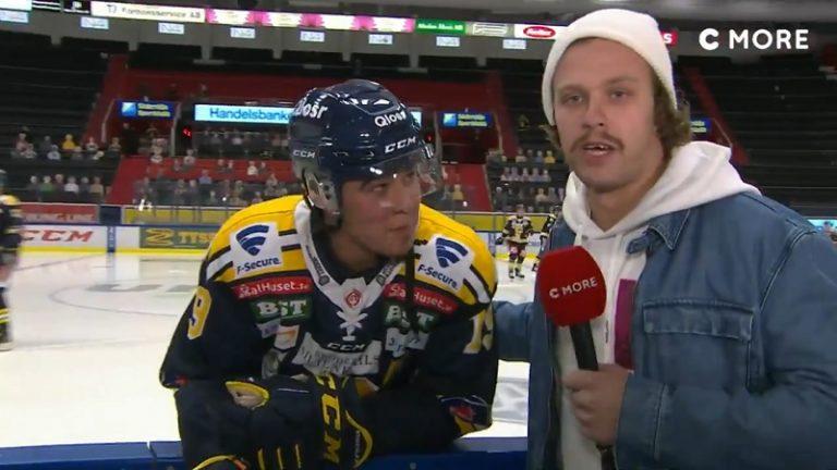 Video: NHL-tähti David Pastrnak yllätti C Morella – debytoi kaukalonlaitatoimittajana Allsvenskan-lähetyksessä