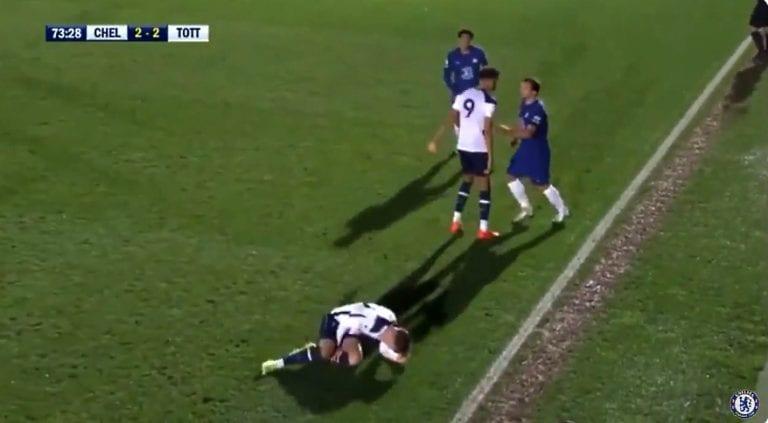 Video: Danny Drinkwater hölmöili suoran punaisen Chelsean U23-joukkueen riveissä