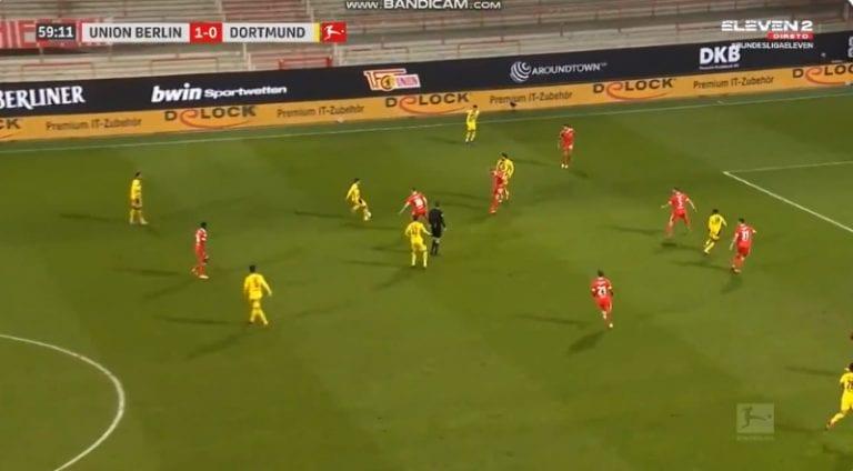 Video: Dortmundin superlupaus teki maalin historian nuorimpana Bundesliiga-pelurina