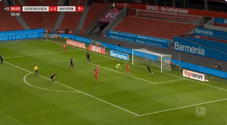 Video: Robert Lewandowski iski voittomaalin Lukas Hradeckyn selän taakse ajassa 90+3