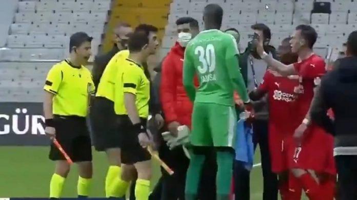 Hakan Arslan Sivasspor / Pallomeri.net