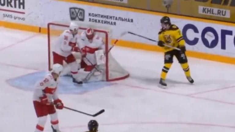 Video: Taiturimainen voittomaali KHL:ssä – Severstal-hyökkääjä kiskaisi upean ilmaveivin