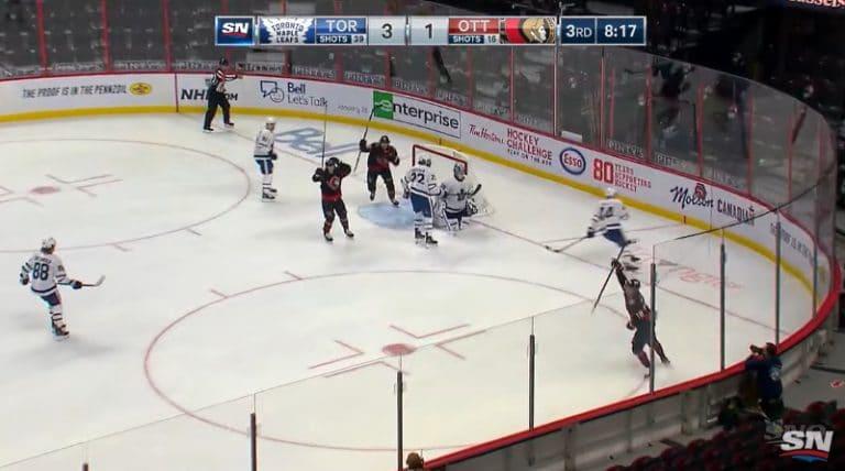 Video: Tim Stützle viimeisteli NHL-uransa avausmaalin upealla tavalla