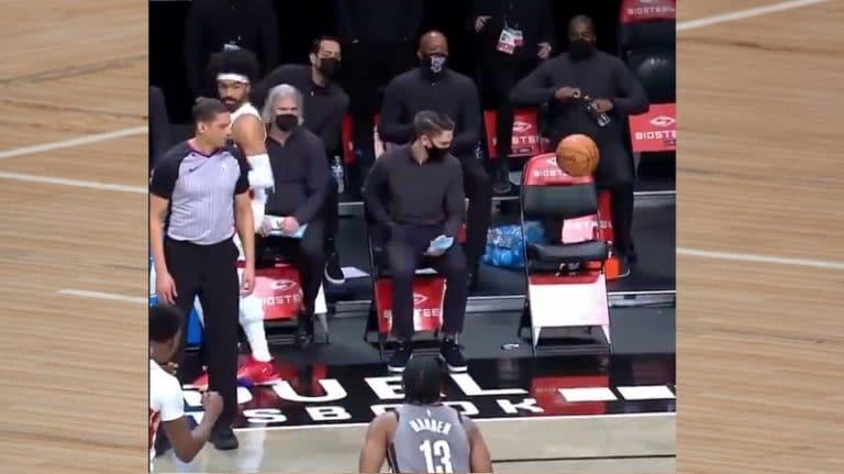 Video: Miami Heatin peluri antoi liiankin ovelan syötön – vastaanottaja oli vielä vaihdossa