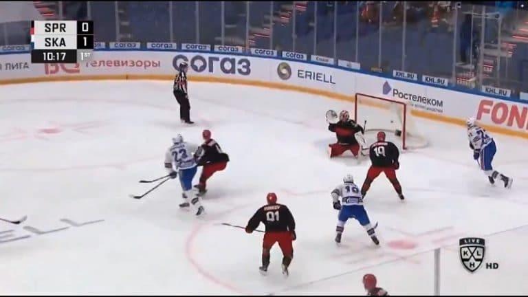 Video: Joonas Kemppainen otti luulot pois KHL:stä – vastustaja tylysti katolleen ja kiekko yläpeltiin