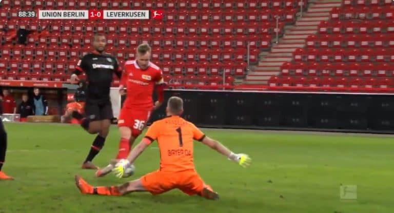 Video: Lukas Hradecky joutui taipumaan viime minuuteilla – Union Berlin kaatoi Leverkusenin