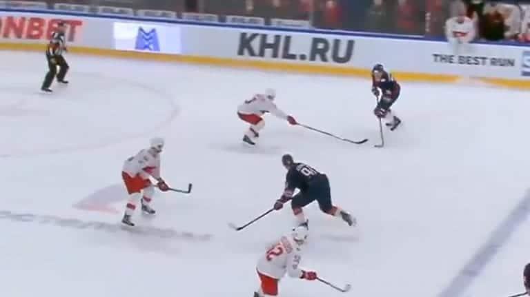 Video: Huoltaja olisi ansainnut syöttöpisteen KHL:ssä – nopean toiminnan ansiosta Magnitogorsk-hyökkääjä iski voittomaalin