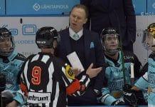 Tommi Niemelä Pelicans & päätuomari Jarno Heikkinen Liiga / Pallomeri.net