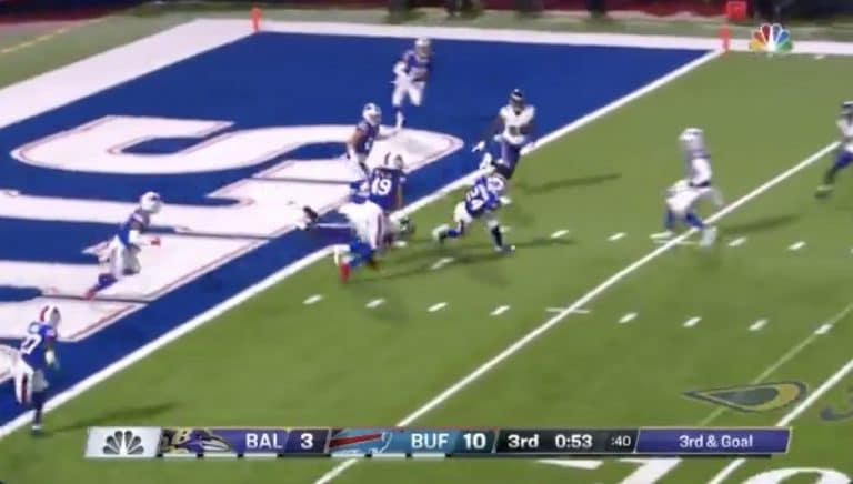 Video: NFL:ssä nähtiin uskomaton touchdown – sivusi pudotuspelien ennätystä