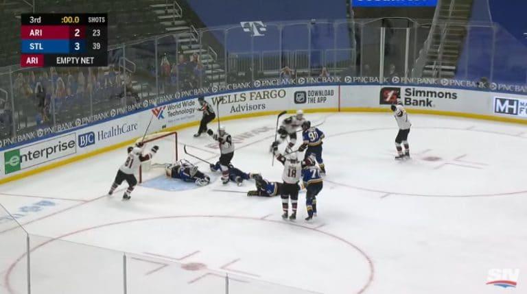 Video: Huimaa loppuhetkien draamaa NHL:ssä – Clayton Keller iski tasoitusmaalin viimeisellä sekunnilla