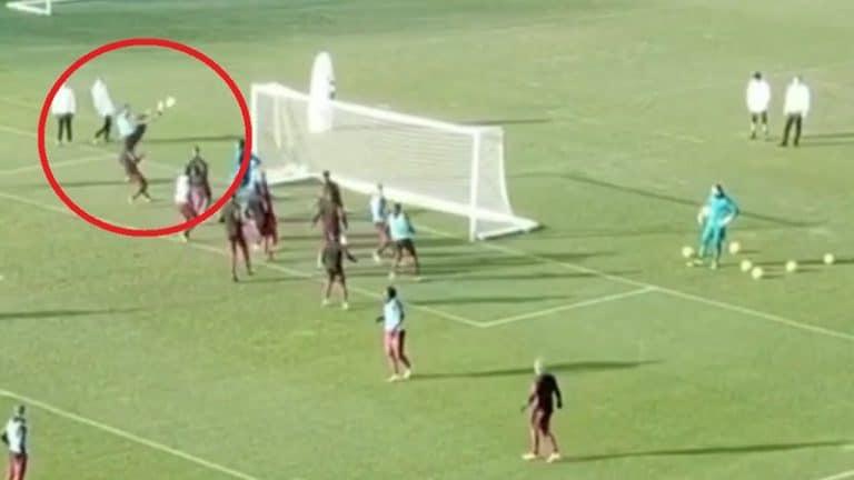 """Video: Zlatan Ibrahimovic teki hämmästyttävän maalin treeneissä – """"Ninja"""""""