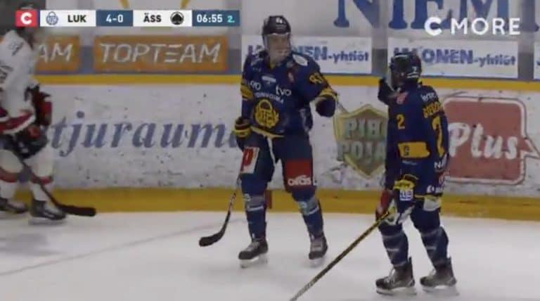 Video: Aleksi Saarela ryöpytti Ässiä – painoi hattutempun