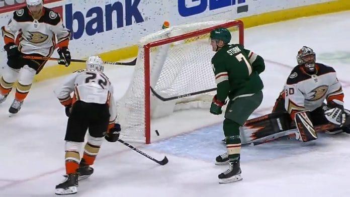 Ryan Miller Anaheim Ducks / Pallomeri.net