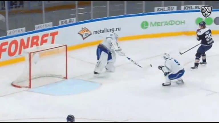 Video: Joni Ortio kohelsi nolosti KHL:n playoffeissa – karmaiseva harhasyöttö suoraan Sergei Mozjakinin lapaan