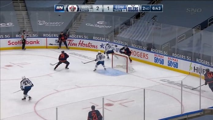 Mike Smith Edmonton Oilers / Pallomeri.net