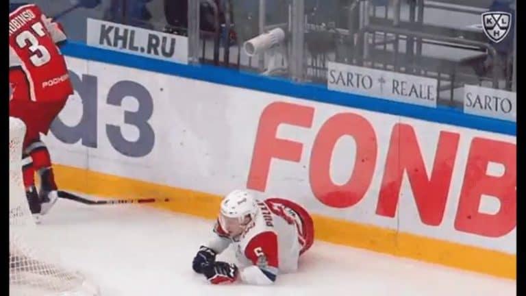 Video: Jäätävä pommi – Teemu Pulkkinen vedettiin aivan levyksi KHL:n playoffeissa