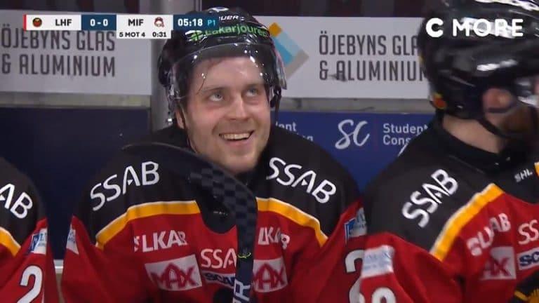 Video: Juhani Tyrväinen sukelsi jäähyn ja nauroi räkäisesti päälle – SHL lätkäisi sakot