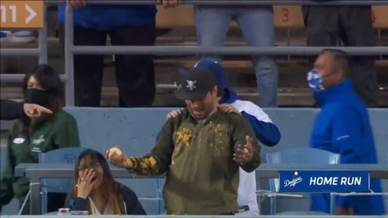 Video: Iloa ja sotkua MLB-katsomossa – Dodgers-pelaaja löi kunnarin suoraan fanin nachoihin