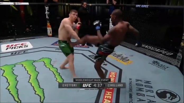 Kevin Holland potkaisee Marvin Vettoria munille UFC Vegas 23 / Pallomeri.net